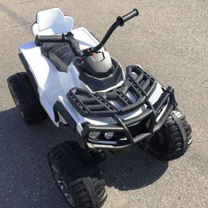 Полноприводный электроквадроцикл Grizzly белый (резиновые колеса, кожаное кресло, пульт, музыка)